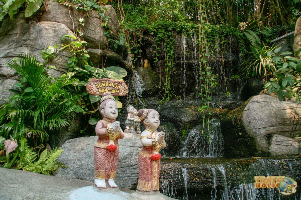 Statues décoratives thaï, à Bangkok, Thaïlande